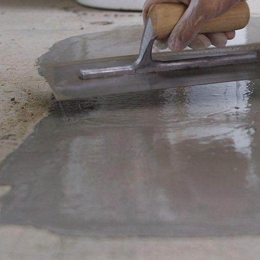 Watco Flowpatch Pourable Repair Mortar Application